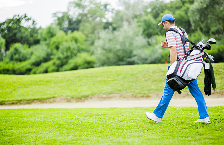 How to pick up your golf bag on the course
